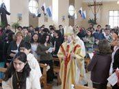 Obispo B. Bastres confirió la confirmación a un grupo de jóvenes con necesidades especiales