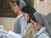 """Primeras profesiones de las HMA: """"No son funcionarias de Dios, sino testigos de su amor"""""""