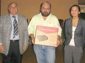 Escuela Agrícola de Linares es beneficiada con un proyector multimedia