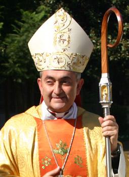 CECH_muere_papa_Obispo