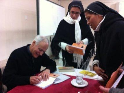Libro sobre formación de consagrados