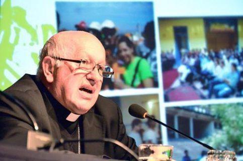"""Monseñor Ezzati en el Mercurio: """"Es bueno que la Iglesia vaya perdiendo su rol mediador"""""""