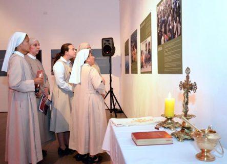 """Monseñor Ezzati: """"Debiéramos preocuparnos si la Iglesia no fuera perseguida"""""""