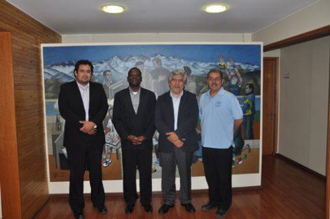 Visita de la Universidad Católica de Mozambique