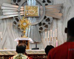 Familia Salesiana se une a adoración eucarística simultánea en todo el mundo