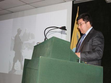 Académico presentará libro de la Patagonia Austral en Italia