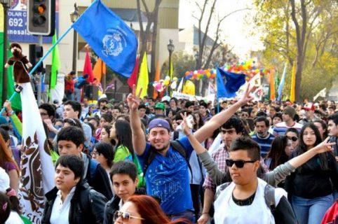 Más de 25 mil jóvenes caminaron por la solidaridad