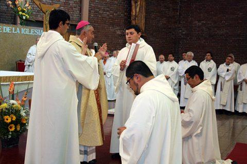 """Ord. Diaconales: """"Es siempre la Cruz con Cristo la que garantiza la fecundidad de nuestra misión"""""""