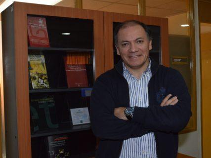 Académico obtiene reconocimiento internacional