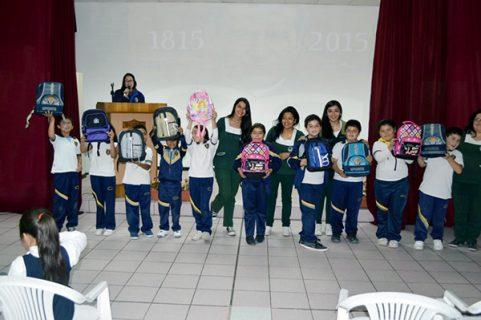 Universitarias realizan campaña para ayudar a alumnos salesianos de Alto Hospicio
