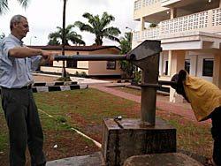 Ébola: cuando un apretón de manos da miedo