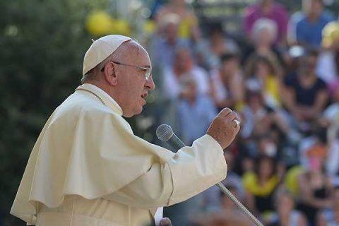 """Papa Francisco condena atentado en Francia contra """"Charlie Hebdo"""""""