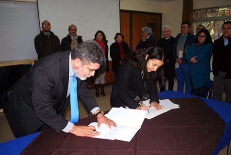 Convenio de colaboración entre el COM y la UCSH