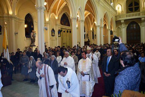 Misa Bicentenario en Talca: Los santos sanan épocas porque hacen la voluntad de Dios