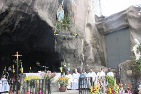 Se inicia novena en la Gruta de Lourdes de Quinta Normal