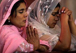 """Atentado en Lahore: """"tenemos que aprender a levantarnos como Cristo fue capaz de levantarse llevando la cruz"""""""