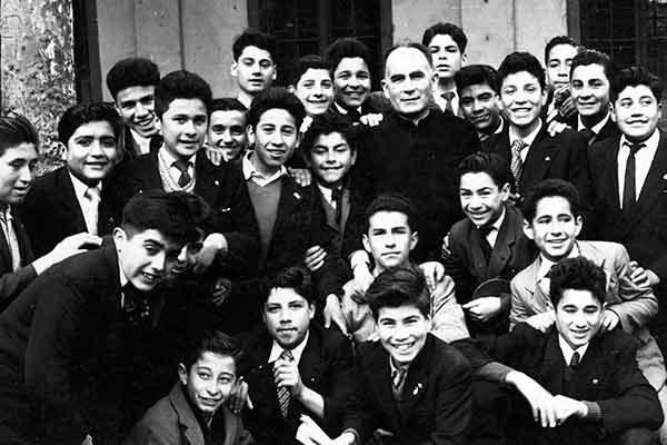 """A 17 años de su partida: """"Los jóvenes recuerdan al Cardenal Silva"""""""