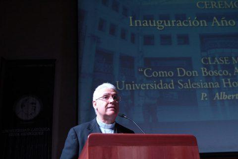 Clase Magistral del P. Alberto Lorenzelli en la UCSH