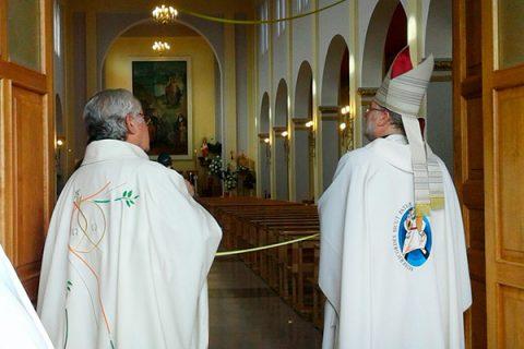 Parroquia Salesiana de Puerto Natales abre la Puerta Santa en el Año de la Misericordia