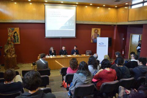 Monseñor Vargas dicta en la UC charla sobre violencia en la Araucanía y misión de la Iglesia