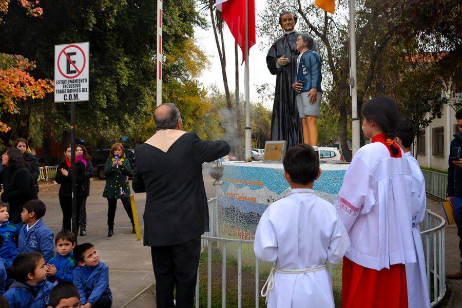 Comunidad Salesiana de Macul celebró a María Auxiliadora con significativo regalo