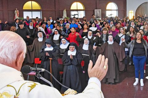Alegre e inédito encuentro de monjas de claustro con internas de la cárcel de mujeres