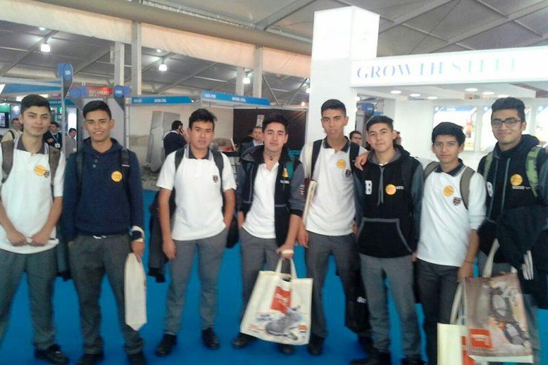 Alumnos de Salesianos Alameda visitaron EXPOMIN