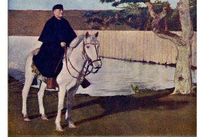 monseñor a  caballo (gentileza museo)