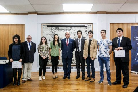 Alumno del IDB de Punta Arenas recibió Reconocimiento al Mérito Académico del Consejo de Rectores
