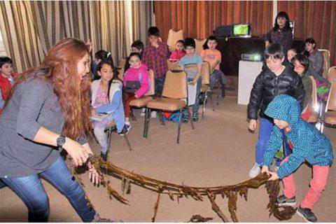 Niños aprenden sobre ciencia y cultura en el Museo Salesiano de Punta Arenas