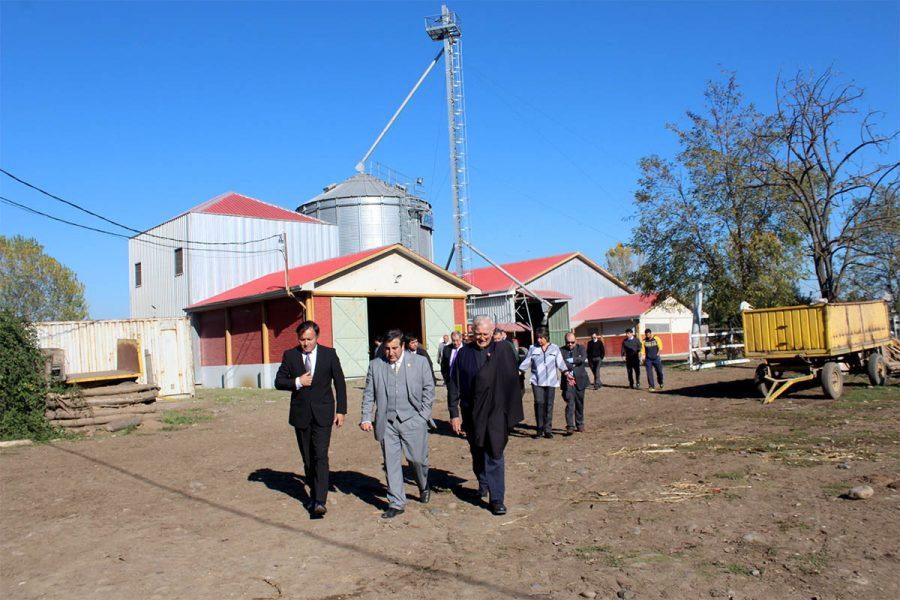 Seremi de Educación del Maule visitó la Escuela Agrícola de Linares