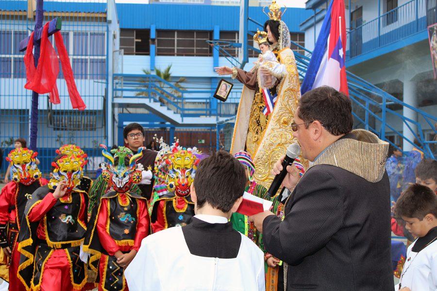 Entronización de la imagen de la Virgen del Carmen de la Tirana
