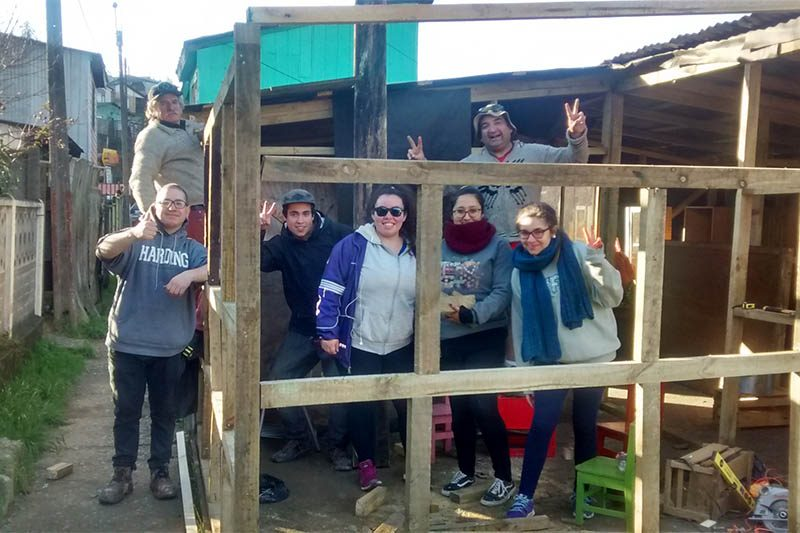 Voluntarios misioneros de invierno de la UCSH colaboraron con la comunidad de Lota