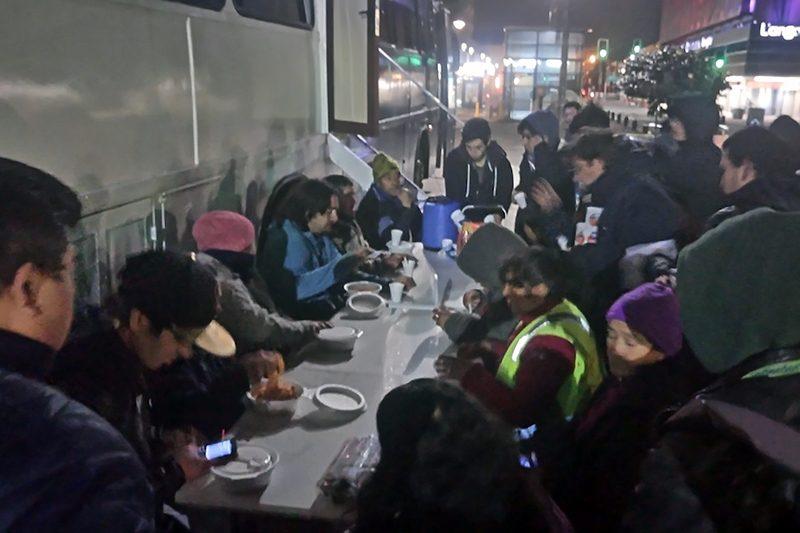 Salesianos Concepción anima albergue móvil del Arzobispado