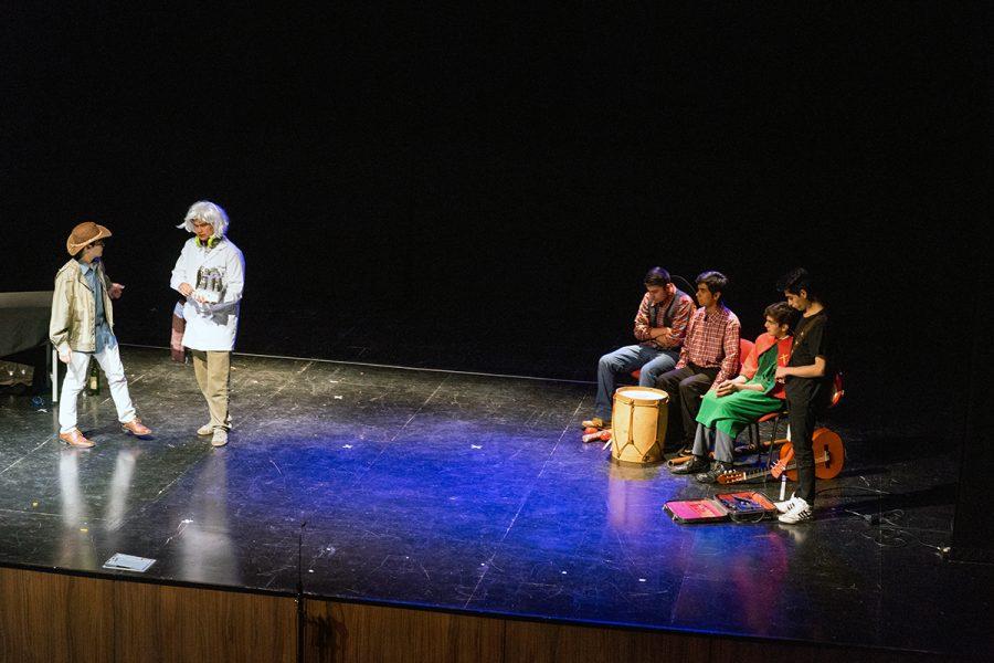 Salesianos Talca: Divulgando la ciencia a través del Teatro