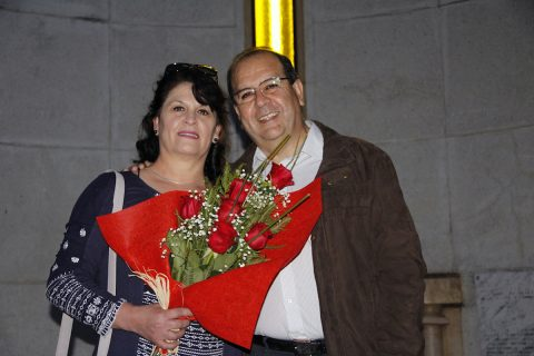 Un centenar de matrimonios renuevan sus promesas