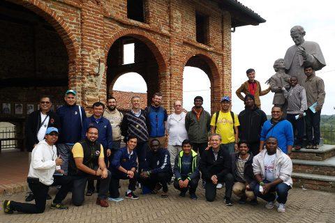 Un misionero regresa… otros se van a la misión