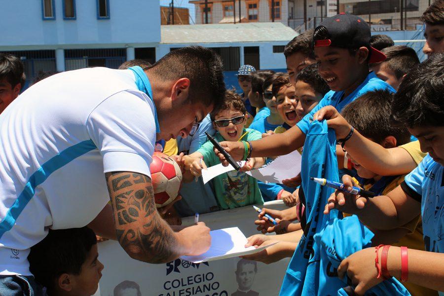Club deportes Iquique visitó Colegio Don Bosco de la ciudad