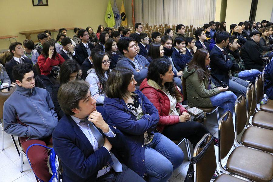 P. Guillermo Basañes visita la Misión Salesiana de Magallanes