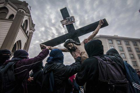 Martes 24 de abril: Ceremonia de reposición del Cristo Roto