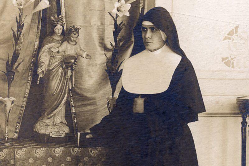 Madre Ángela Vallese, Pionera de un Instituto Misionero