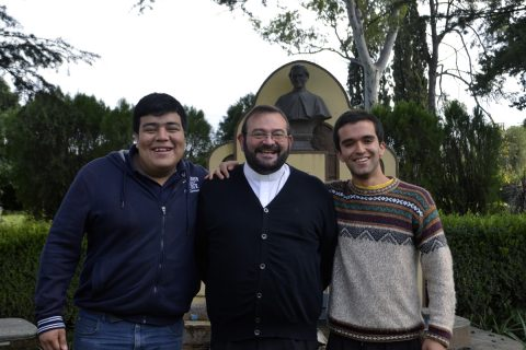 Provincial visita a jóvenes novicios en Argentina
