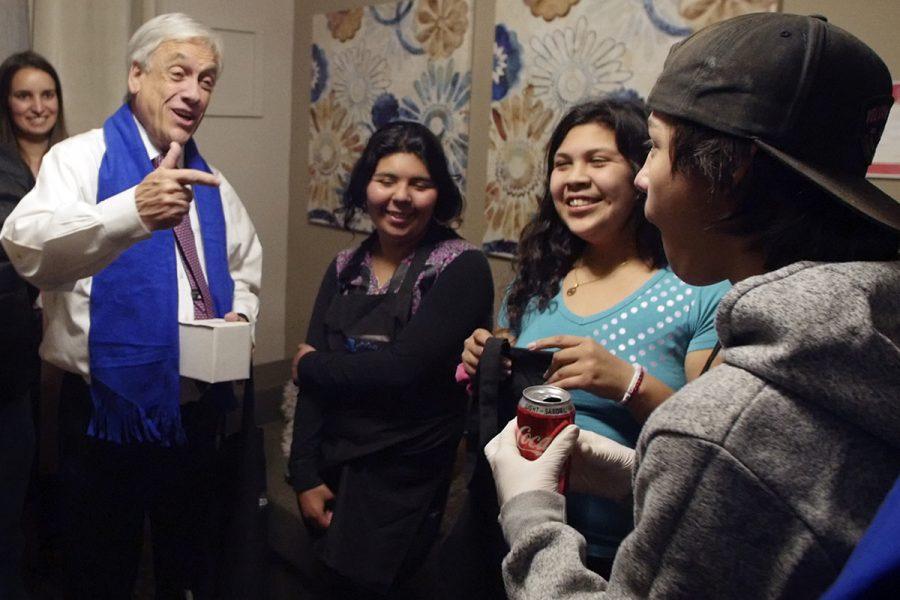 Presidente Sebastián Piñera visita albergue de Fundación Don Bosco