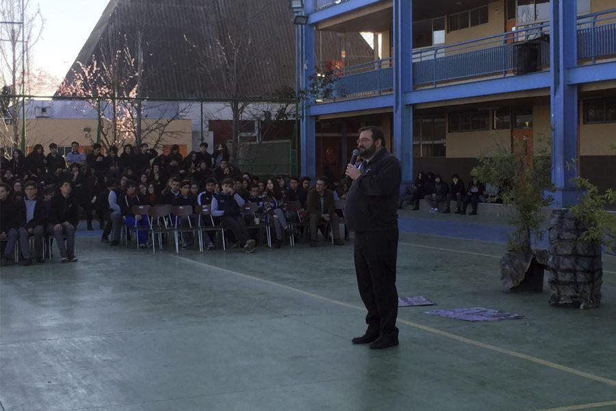 P. Carlo Lira visitó Colegio Domingo Savio San Ramón