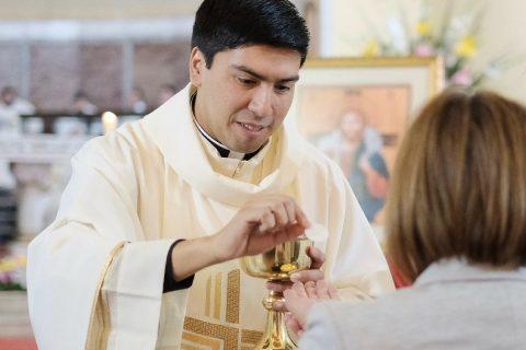 """""""El sacerdocio es una entrega total de mi vida al proyecto de Dios"""""""