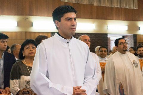 Salesiano Eduardo Oviedo será ordenado sacerdote
