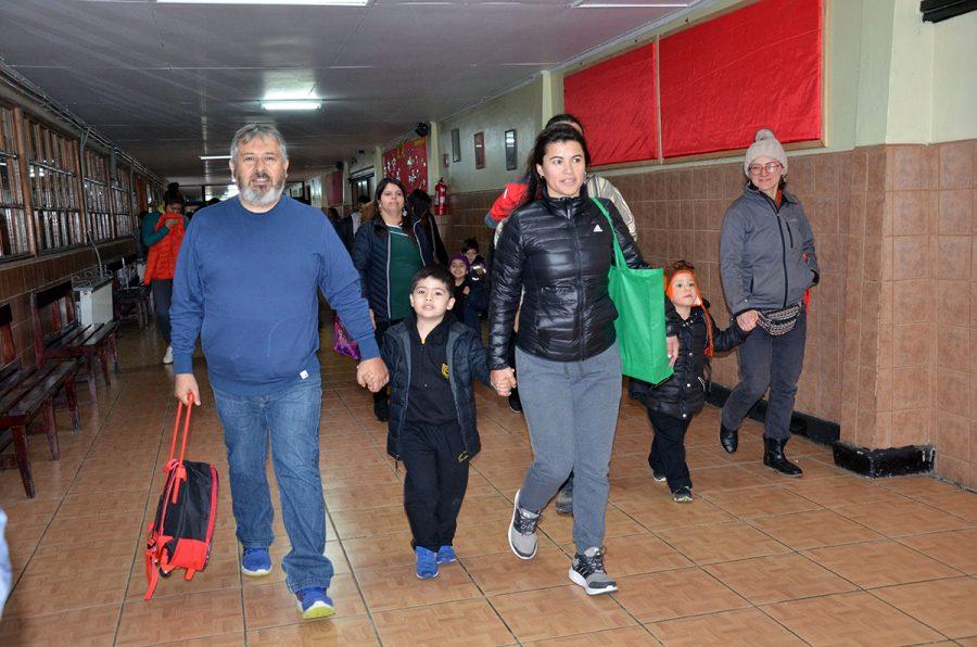 Inicio de año escolar en Puerto Natales