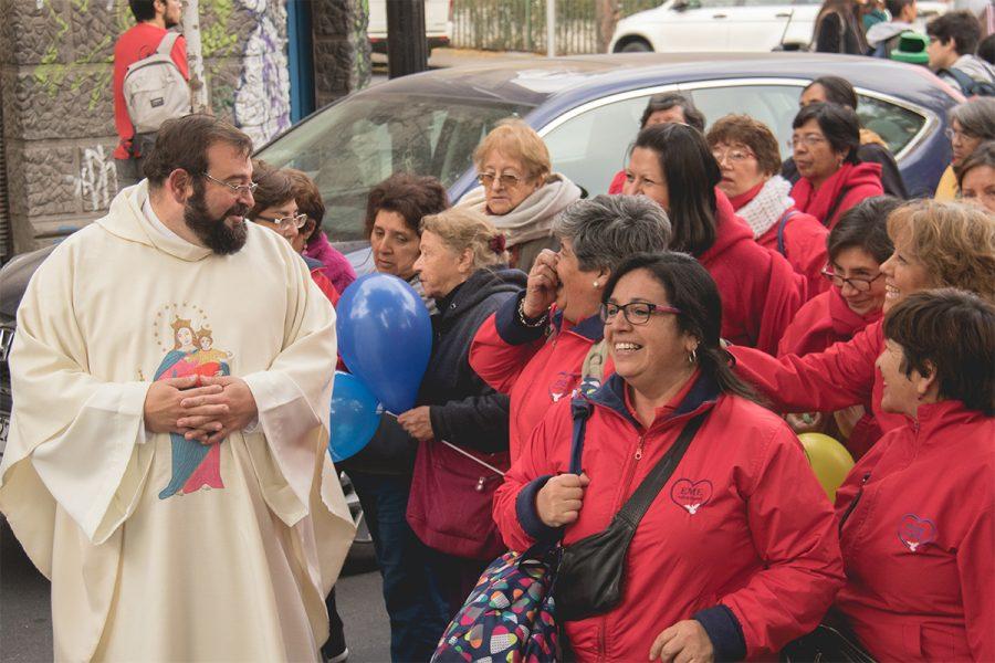 Imitar el ejemplo de María y estar al servicio de los demás