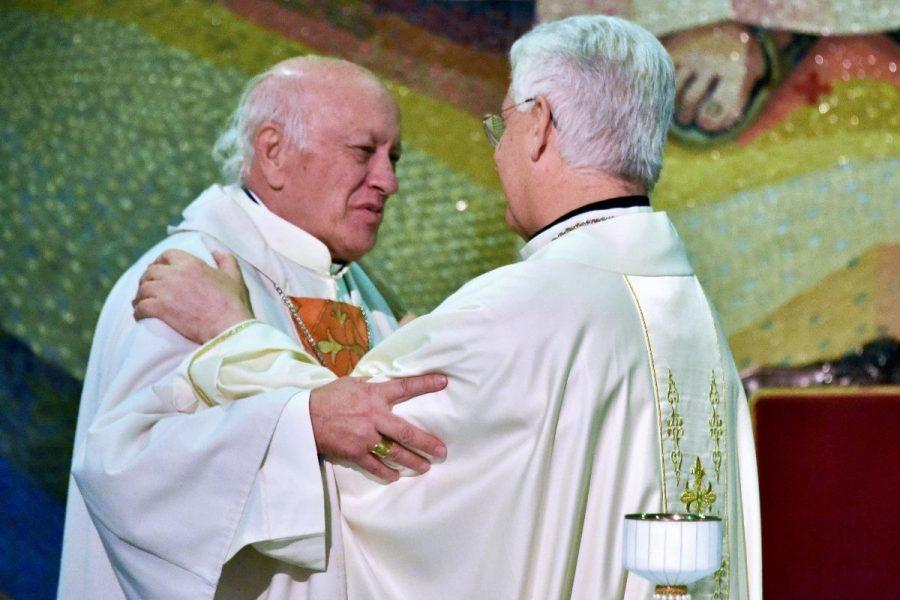 Familia Salesiana recibe con alegría a Mons. Lorenzelli