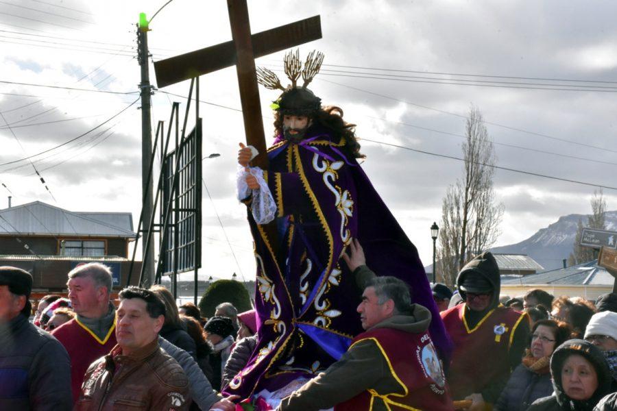 Procesión de Jesús Nazareno de Caguach en Puerto Natales